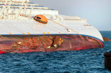 An Italian court has convicted five people of manslaughter over the deadly 2012 Costa Concordia shipwreck off Giglio