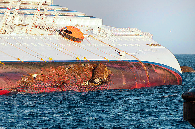 An Italian court has convicted five people of manslaughter over the deadly 2012 Costa Concordia shipwreck off Giglio photo