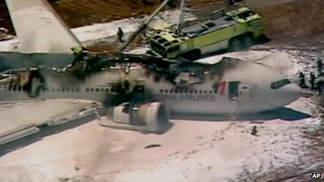 Asiana Airlines Boeing 777 aircraft has crash-landed at San Francisco international airport