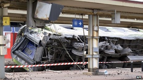 At least seven people have been killed in a train crash at Bretigny-sur-Orge