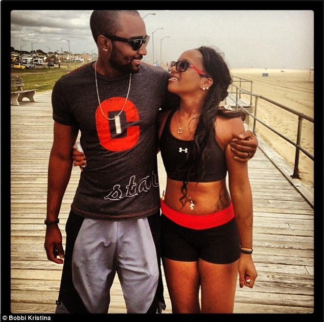 Bobbi Kristina Brown announced that she had got engaged to Nick Gordon  photo