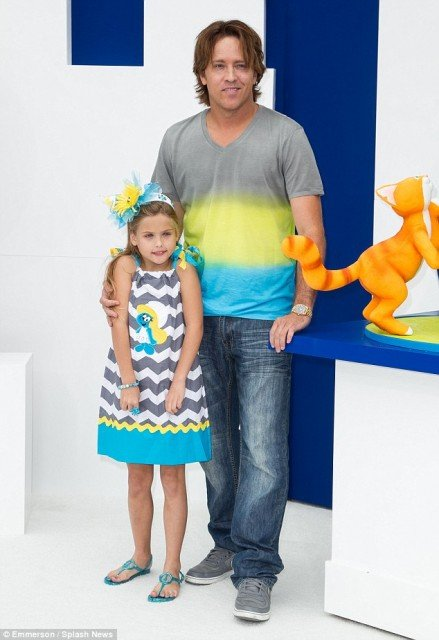 Dannielynn Birkhead and her father Larry attended the premiere for The Smurfs 2 in Los Angeles
