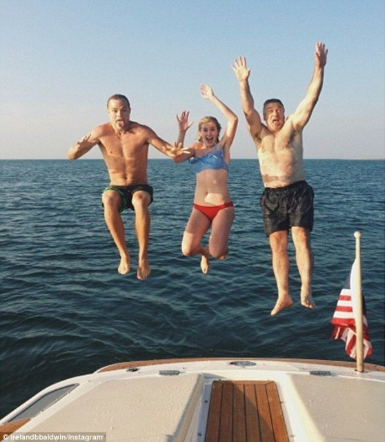 Ireland Baldwin posted some pictures showing how her boyfriend Slater Trout has been welcomed with open arms by her famous family 558x640 photo