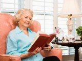Keeping mentally active by reading books or writing letters helps protect the brain in old age