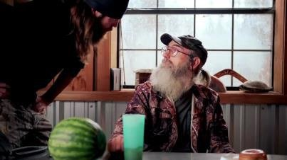 Si Robertson decided to quit Duck Commander after he couldn't find his tea glass