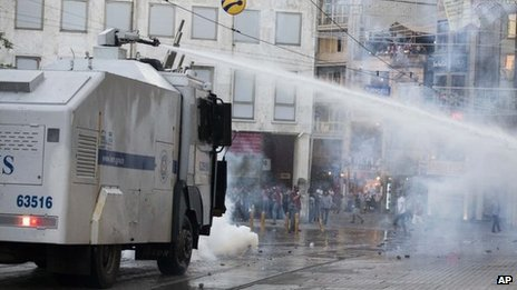 Turkish riot police have fired tear gas and water cannon at protesters trying to enter Istanbul's Gezi Park photo
