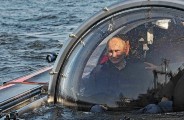 Vladimir Putin boarded an underwater research vessel to make the half hour dive to the wreck of the frigate Oleg which sank in the Gulf of Finland in 1869 photo