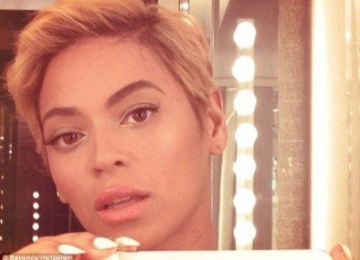 Beyonce stunned her fans yesterday as she unveiled a drastic new haircut