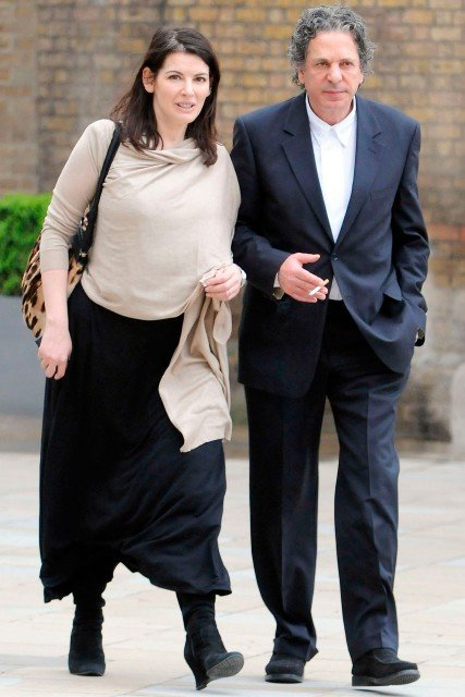 Charles Saatchi threatened to commit suicide in a bid to win back Nigella Lawson after the first stages of their divorce photo