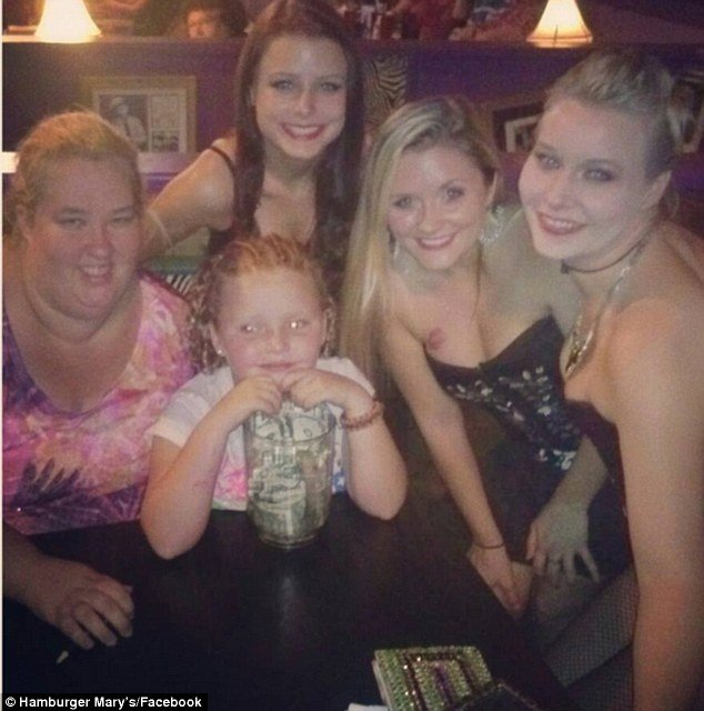 Honey Boo Boo enjoyed an evening of drag queen bingo at Hamburger Mary's restaurant in Jacksonville Florida
