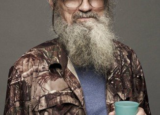 In preparation for the September 3 release of his new book, Si Robertson attributes the success of their business and TV show to God