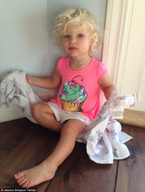 Jessica Simpson showed off her 15-month-old daughter Maxwell