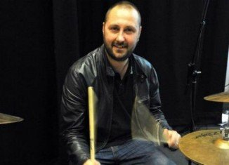 Jon Brookes had suffered a seizure on tour with the band in 2010 and had been receiving treatment for a brain tumor