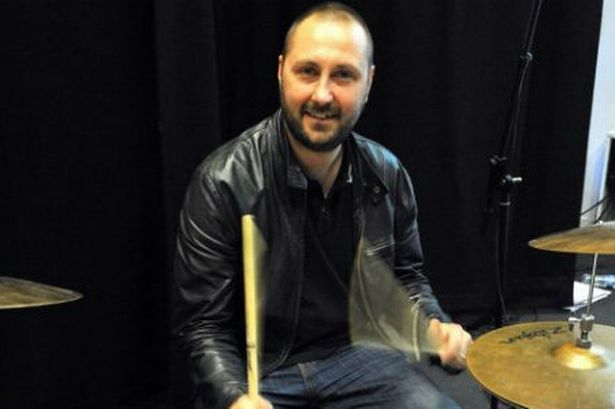 Jon Brookes had suffered a seizure on tour with the band in 2010 and had been receiving treatment for a brain tumor photo