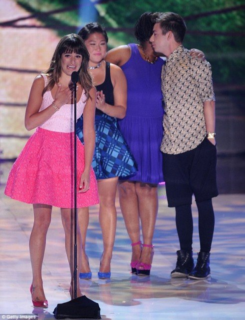 Lea Michele's tearful speech for Cory Monteith at the Teen Choice Awards 2013