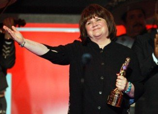 Linda Ronstadt revealed she is facing an uphill battle as she loses her voice to Parkinson's disease