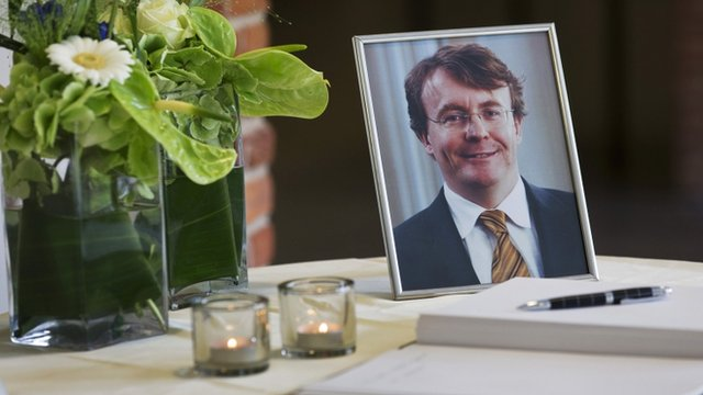 Prince Johan Friso was buried in the small village of Lage Vuursche near the castle where his mother former Queen Beatrix plans to retire photo