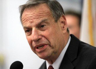 San Diego Mayor Bob Filner, who has been battling harassment allegations by 18 women and a related lawsuit, has finally bowed to calls for him to quit