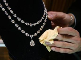 The French Riviera has seen a string of recent jewel robberies
