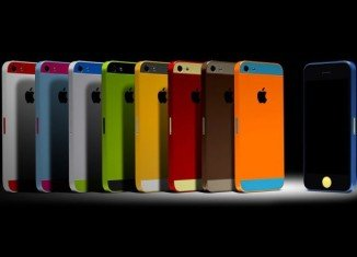 Apple said that sales of the iPhone 5S and 5C had beaten previous launches of new phones.