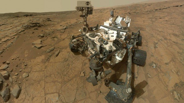 Curiosity soil samples showed that Mars' dusty red covering holds about 2 percent by weight of water