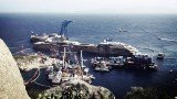 Divers working on the salvage operation of the Costa Concordia have found human remains near wreck