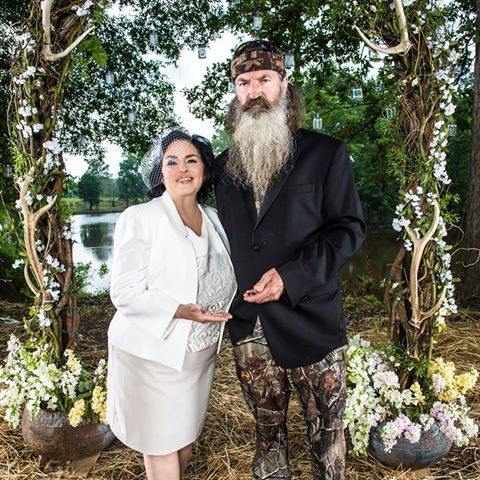 Duck Dynasty's Phil Robertson and Miss Kay renewed their wedding vows on Season 4 premiere photo