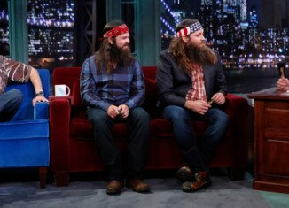 Duck Dynasty's stars Willie, Jep and Uncle Si Robertson appeared on Late Night with Jimmy Fallon on Monday night
