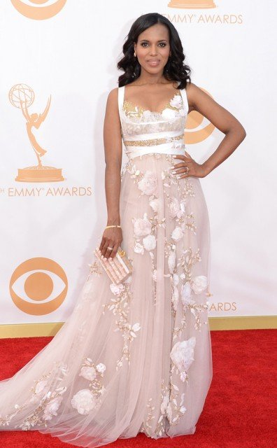 Kerry Washington sparked more rumors she is pregnant by wearing loose fitting gown at Emmys 396x640 photo