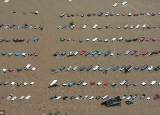 More than 500 people are missing and at least 4 people have died, with another victim believed to be dead, after flash floods hit Colorado