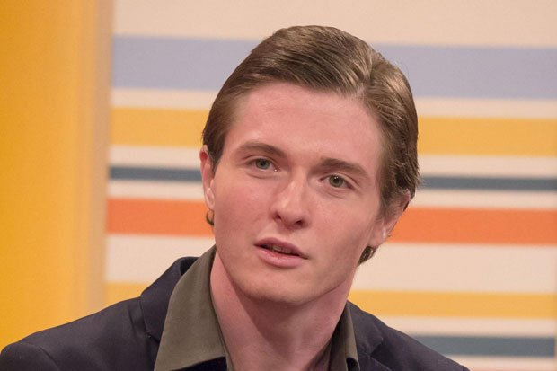 Raffaele Sollecito has claimed Italian police tried to bribe him into framing Amanda Knox for the murder of Meredith Kercher photo