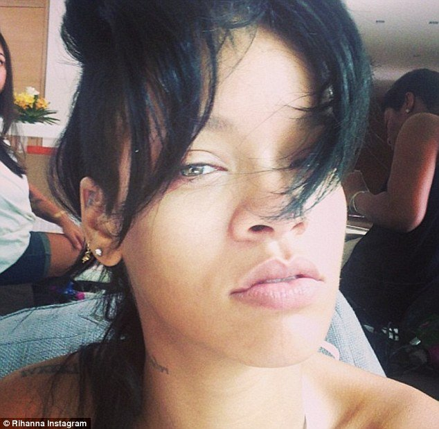 Rihanna posted make-up free selfie on Instagram two days after opening a new cosmetics store in Hong Kong