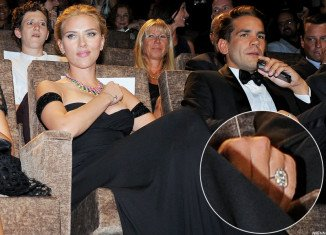 Scarlett Johansson got engaged to Romain Dauriac after accepting his proposal in August