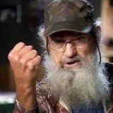 Si Robertson's character is one of the reasons Duck Dynasty has become such a phenomenal hit