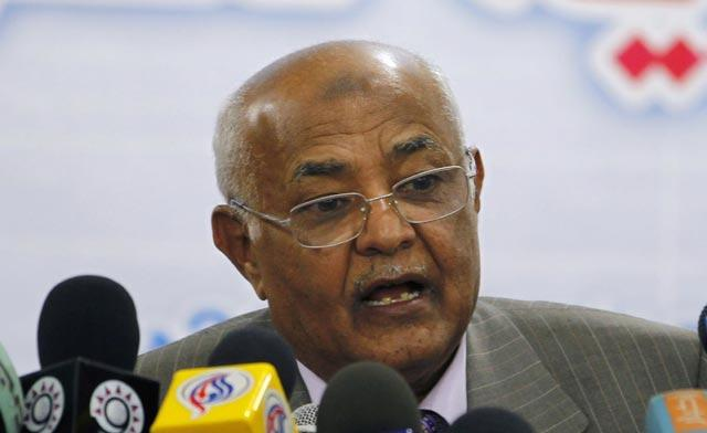 Yemen's PM Mohammed Salem Basindwa has survived the assassination attempt unharmed photo