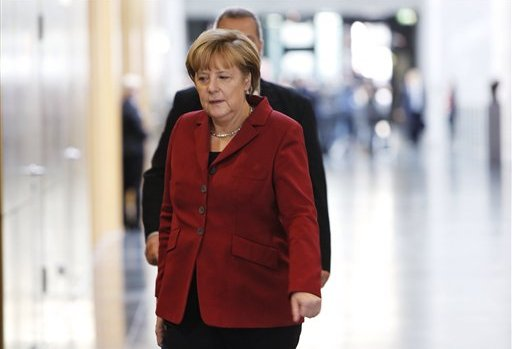 German intelligence officials are in Washington for talks at the White House following claims that the US monitored Chancellor Angela Merkel's mobile phone
