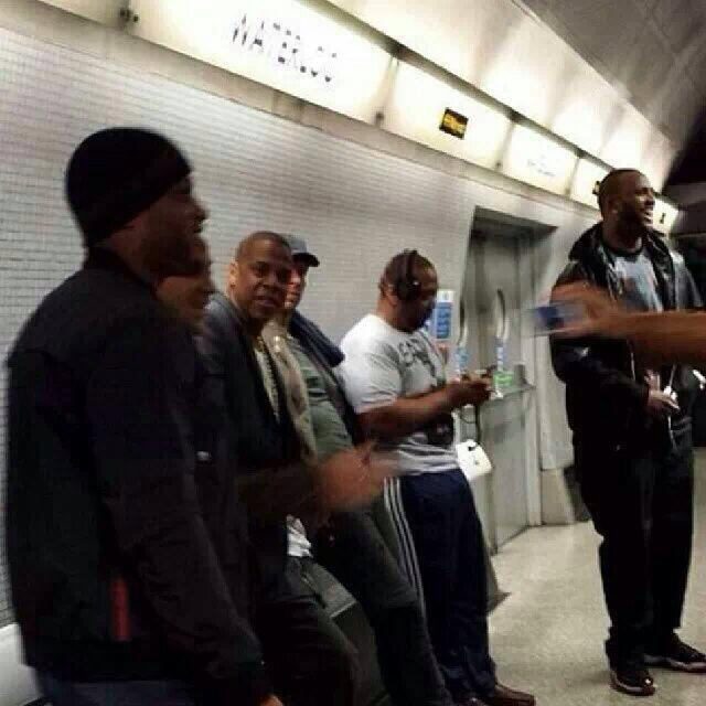 Jay-Z has surprised fans by travelling to his concert at London's O2 Arena on the Tube