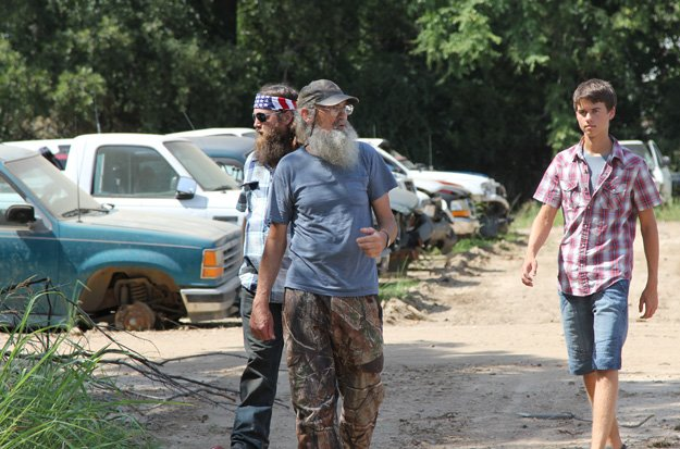 John Luke Robertson totals his fathers truck and Willie Robertson realizes he may be raising the two worst drivers in all of Louisiana photo