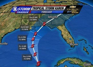 Residents along the US Gulf Coast have been placed on alert as approaching Tropical Storm Karen threatens damaging winds, heavy rain and high tides