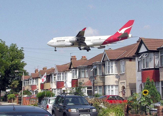 The risks of stroke, heart and circulatory disease are higher in areas with a lot of aircraft noise