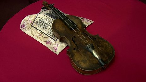 The violin was apparently played to calm passengers on the Titanic as it sank