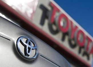 Toyota has decided to recall 885,000 vehicles to fix a problem that could cause a water leak from the air conditioning unit