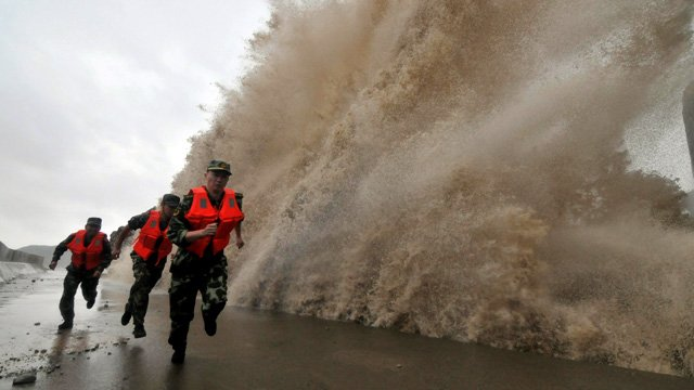 Typhoon Fitow hit eastern China killing at least five people