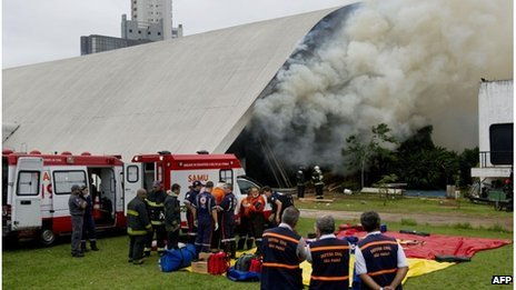 A large plume of smoke billowed from the Latin America Memorial, a cultural centre which hosts an art gallery, an auditorium and other facilities