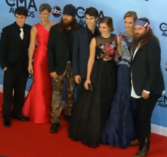 Duck Dynasty crew took over the CMA Awards red carpet