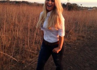 Jessica Simpson has showed off her post-baby body once again in a new picture while working with Weight Watchers