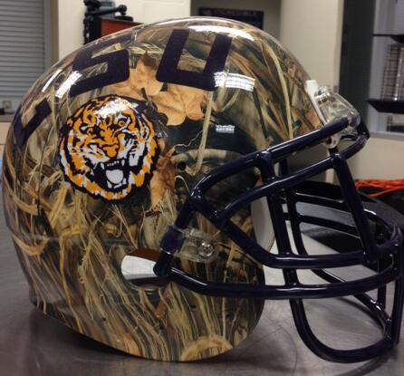LSU Tigers put together a helmet in honor of Duck Dynasty