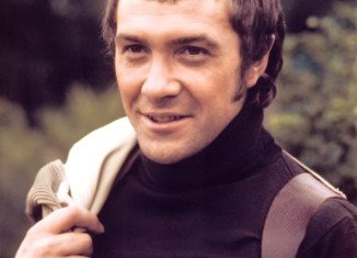 Lewis Collins has died in Los Angeles, after a five-year struggle with cancer