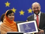 Malala Yousafzai has received the EU's Sakharov human rights prize at a ceremony in Strasbourg