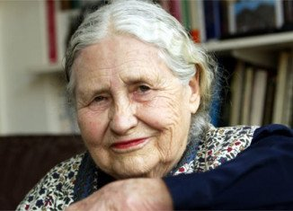 Nobel Prize-winning author Doris Lessing dies at 94